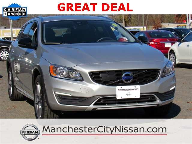 pre-owned 2018 volvo v60 cross country t5 4d wagon in manchester